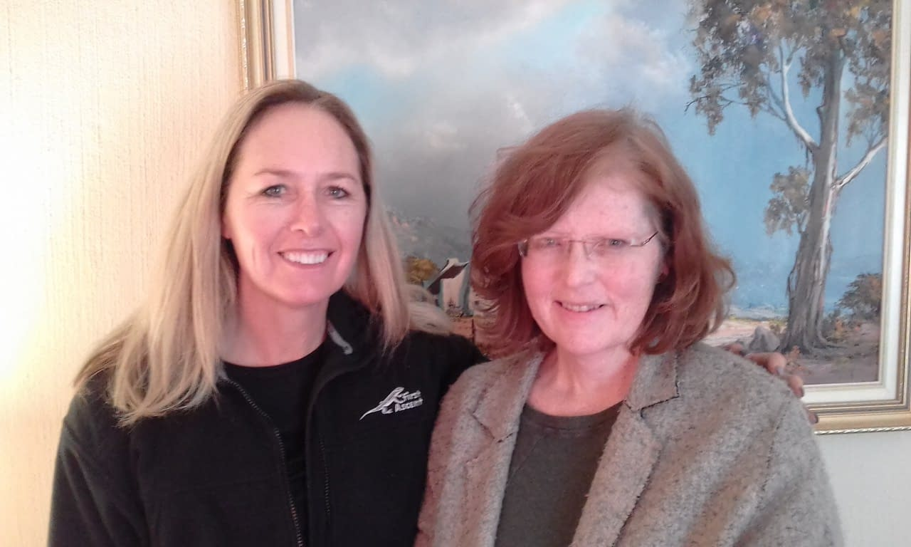 Anthea Schulz and Lesley Grossett (L to R) attended 'Create Free Website'