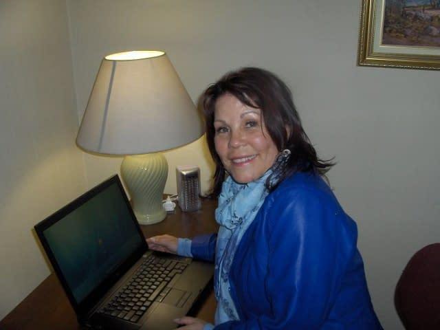 Amanda-Blogging